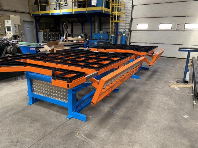 Mignet métallurgie réalise des tables basculantes